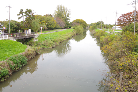 見沼代用水と通船堀入口
