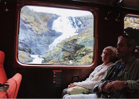 shosefossen-waterfalls1.jpg