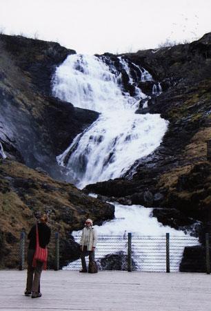 shosefossen-waterfalls2.jpg